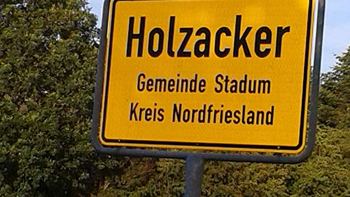 Holzacker Ortsschild